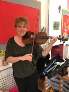 violin-nursery-player
